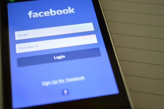 facebook widget wordpress plugin